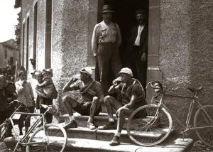 Biking_Photo_Old.79133930_std